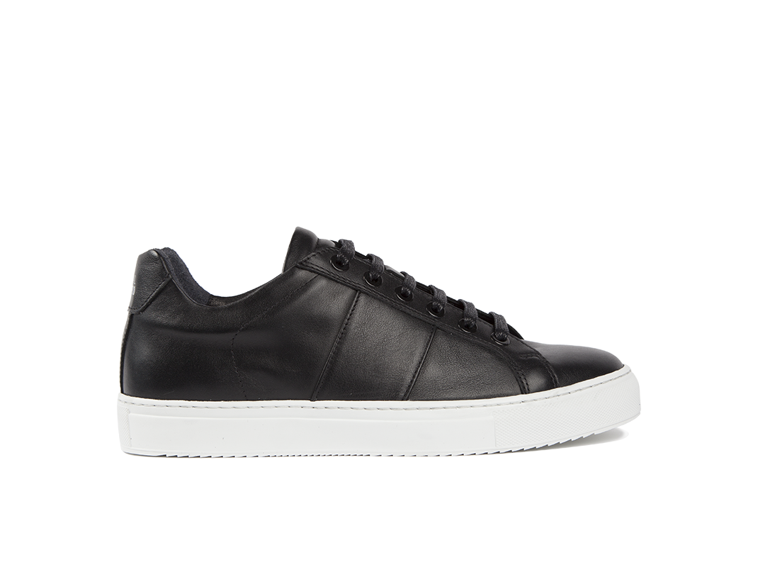 Edition 4 sneakers basses noires semelle blanche